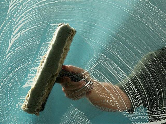 Секреты опытных хозяек - как помыть окна и не оставить разводы